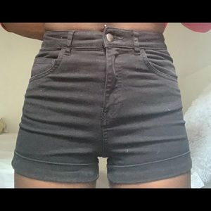 H&M black denim shorts size 4